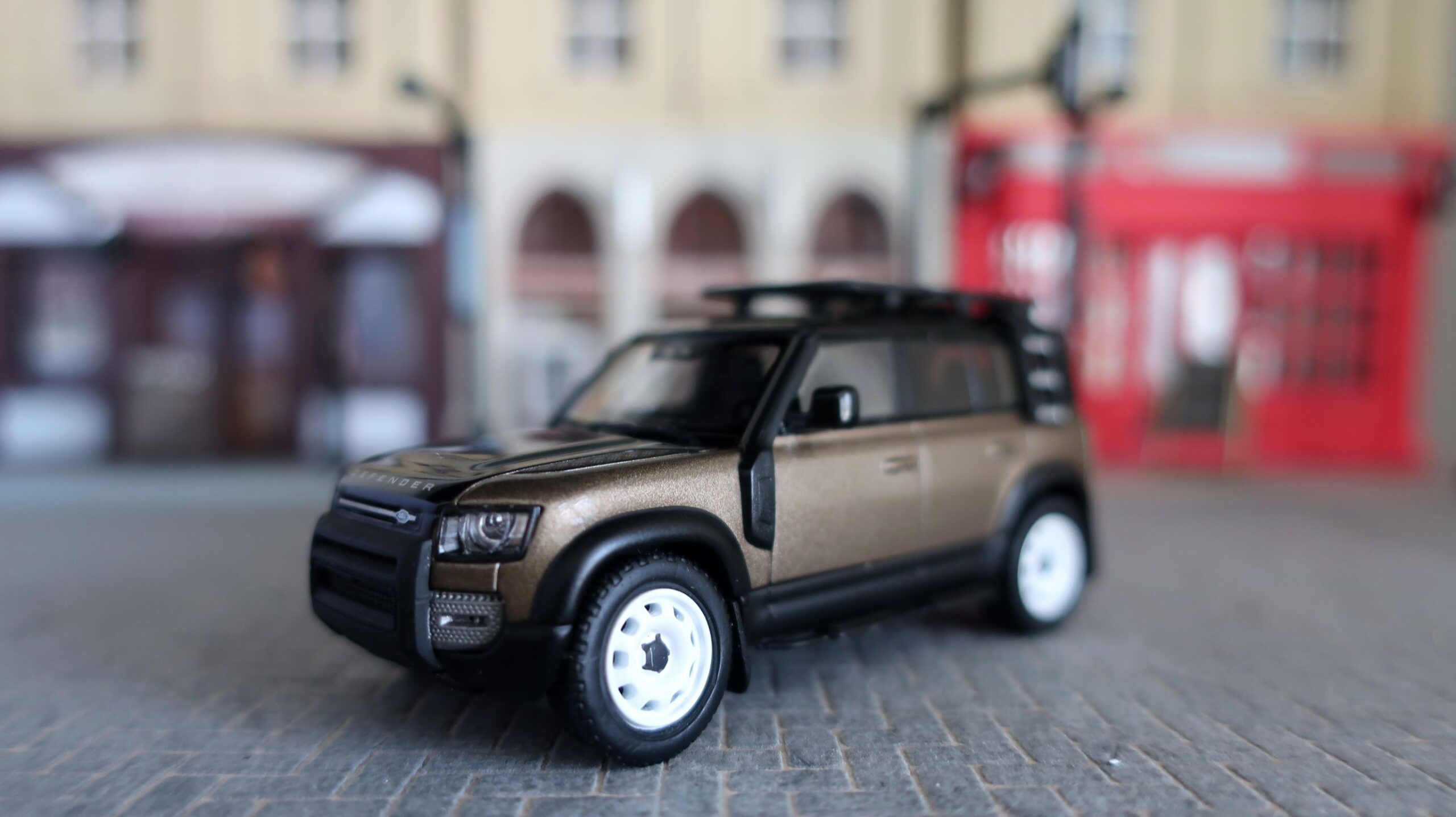 Almost Real AR Box Land Rover Defender 110
