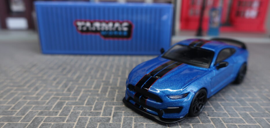 Tarmac Works Ford Mustang Shelby GT350R