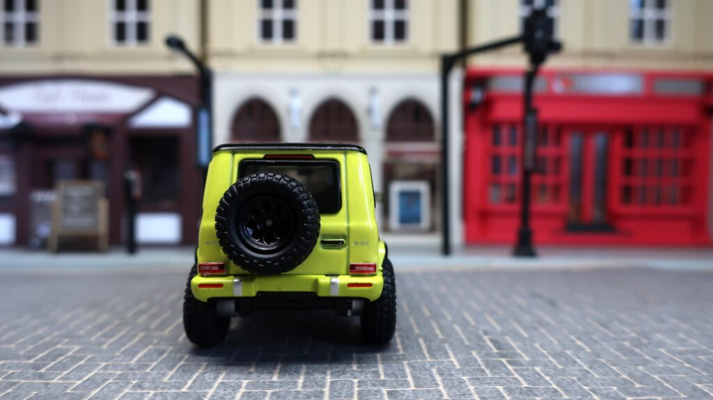 Tarmac Works Mercedes-AMG G63 Electric Beam/ Yellow
